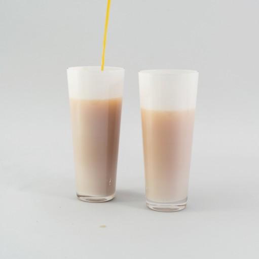 Комплект белых стаканов